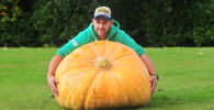 Picture of grower with world record giant carrot